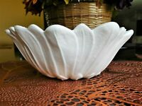 INDIANA MILK GLASS LILY PONS SERVING BOWL #605-BEAUTIFULLY SCALLOPED 7""