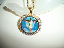 CRUCIFIXION OF JESUS NECKLACE PENDANT CHRISTIAN CATHOLIC GLASS CAMEO RHINESTONE