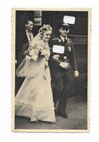 Foto, Soldat in Uniform, Mütze, Abzeichen, Frau, Hochzeitsfoto