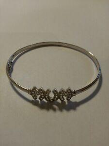 "9ct Carat White Gold Bracelet Bangle ""mum"" with Sparkly CZ gemstones, 5.34 grams"