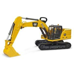 1/16th Caterpillar Excavator by Bruder 2484