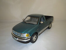 Ertl/American Muscle  Ford  F-150  XLT  1:18 ohne Verpackung !