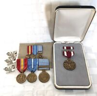 WWll ORIG SERVICE MILITARY MEDALS LOT MERIT W/CASE KOREAN AWARDS RIBBONS & PINS