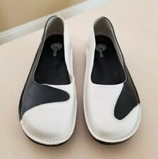 NEW DKODE Slip On Shoes Loafers Flats Black White Leather US Size 7.5 - 8 EU 38