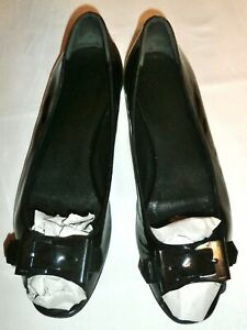 GUCCI - Black patent leather open toe flats  - UK: 6 ; EUR: 39 - AUTHENTIC