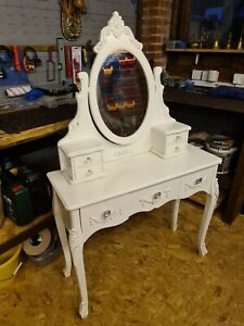 Antique White Wooden Make Up Dresser Table With Drawers