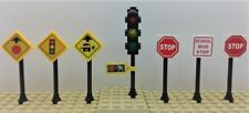 Lego City/TOWN/VILLAGE/STREET TRAFFIC LIGHT. 2 STOP SIGNS & more Signs (7)