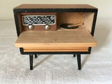 Vintage LUNDBY ? Dolls House GRAMOPHONE / RADIO Cabinet  Front open 1:16/18