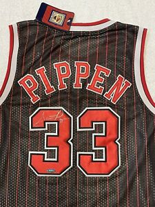 Scottie Pippen Signed Autographed Chicago Bulls Jersey with Tristar COA