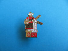 Shell Pin badge National Costumes. (NL) Netherlands
