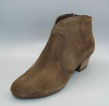 """""""MELANIE JANE""""Clark's Women/Ladies Brown Suede Boots size 7.5 D."""