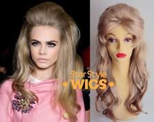 Deluxe BARBARELLA années 1960 Long Ondulé Blonde Beehive Drag Fashion Costume Perruque