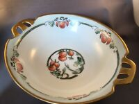 """ANTIQUE PORCELAIN HANDLED 8-1/2"""" BOWL HAND-PAINTED TOMATO SIGNED ANNIE METZ 1922"""