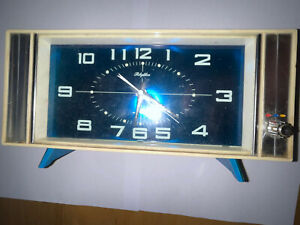 Vintage Rythym Space Age Music Clock Late 1960's Sweep Hand Fully Working