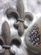 LILIE aus Steinguss frost- & wetterfest mit Wandaufhängung ca. 10x8cm Handarbeit