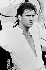 Mel Gibson As Fletcher Christian Master'S Mate In The Bounty 11x17 Mini Poster