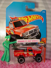 1987 TOYOTA PICKUP TRUCK #82✰red/chrome✰hot trucks✰2017 i Hot Wheels case D/E