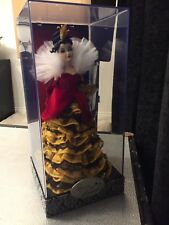 Disney Villains Designer Collection Queen of Hearts Doll 1 of 13000 Brand New