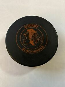 Vintage Rare Chicago Blackhawks Gunzo's Sports Center Official Hockey Puck NHL