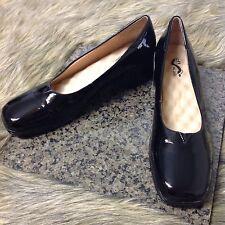 Softwalk Sz 10 N Black Patent Low Block Heels Comfort Career Shoes Pumps