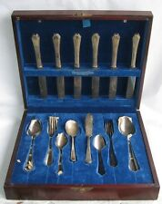 VTG 90 Pieces Wm Rogers silver Plate Set in box dining flatware serving utensils