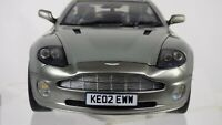 1:18 Aston Martin V12 Vanquish James Bond 007 Gadgets Die Another Day Toy Car