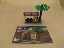 Lego City Tram/Bus Stop &Tree Only 60097 Split from City Square-100% Comp Ex Con