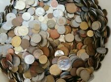 Lotto di 1/2 kg monete mondiali circa 120 monete anno dal 1900al 2018