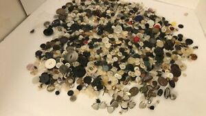 Large Lot Of Buttons Estate Cleanout Crafts Sewing odds & ends buttons 1LB 11OZ