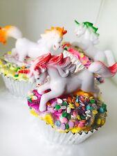 One Unicorn Dreams Fizzy Cupcake Bath Bomb - With Sugar Scrub Icing Topper