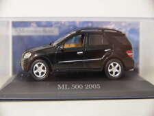 Mercedes Benz Sammlung  ML 500 2005 in schwarz  - 1:43 in Klarsichtbox