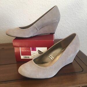 Merona Melina Wedge Size 8.5