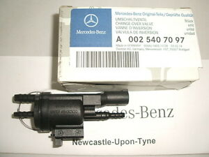 Genuine Mercedes-Benz Electric Air Pump Change-Over Valve A0025407097 NEW