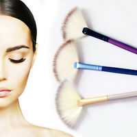 New Professional Small Fan Shaped Makeup Brush Blending Highlighter Face Powder