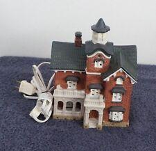 Dickens Keepsake Porcelain Lighted House
