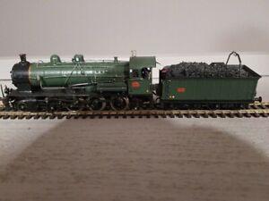 140 C 136 TENDER 18C606 BASE JOUEF MECANIC TRAINS HO moteur Bulher