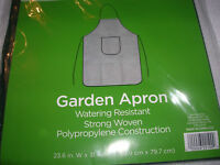 NEW GARDEN APRON green polypropylene Protect  pocket TRUE LIVING C17