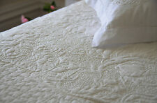 3 pc off-white embroidered quilt bedspread duvet coverlet in King, Queen, Double