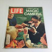 VTG Life Magazine: October 27 1972 - Dr. Edwin Land of Polaroid/His Magic Camera