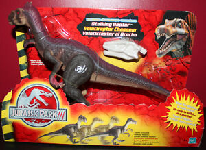 JURASSIC PARK 111 ELECTRONIC VELOCIRAPTOR, WITH A RAPTOR VOICE CHAMBER MIB
