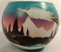 """Artist Signed Hozoni Pottery """"Wolf Pack in Snow"""" Hand Painted Etched Bowl"""