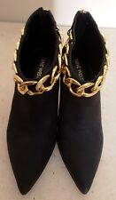 NINE WEST BLACK LEATHER BOOTS WITH GOLD ANKLE CHAIN - SIZE 6.5