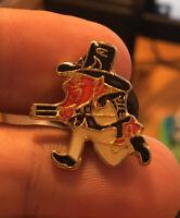 Leprechaun enamel pin vintage NOS notre dame ireland irish hat lapel bag 80s