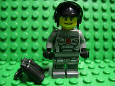 Lego NEW Space Police officer w/ helmet and air tank