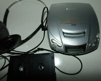 SONY Discman D-E200 Walkman Personal CD Player Headphones W/ RCA CAR Adapter