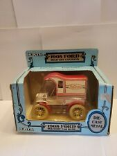 ERTL TRUE VALUE 1905 FORD DELIVERY CAR LOCKING COIN BANK #9301EO