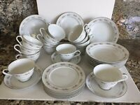 31 PC Wyndham VTG Fine China Wilton 330 Platinum Rim Tea Cups, Plates, Bowls Set