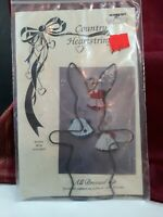 "Vintage CUTE Pattern by Country Heartstrings All Dressed Up 4"" Bunny Wire Frame"