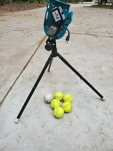 JUGS Fence Buster Baseball/Softball Pitching Machine, Model M8010 Tested Working