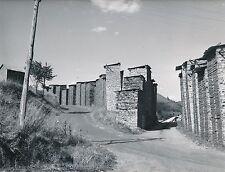 BOIS c. 1960 - Séchage des Planches de Bois en Extérieur  Cantal - Div 5996